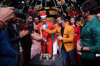 Christmas Celebrations on the sets of Indian Idol 11