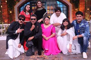 Jackie Shroff with the Kapil Sharma Show Team