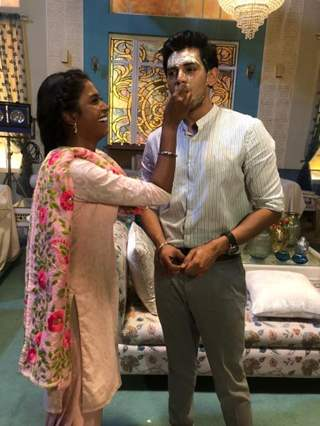Harsh Nagar's birthday on the sets of Kartik purnima!