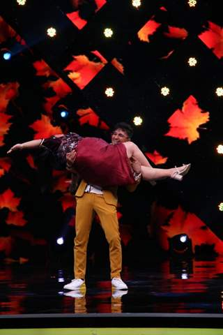 Bharti and Terence Lewis dances on the song Ang Laga De