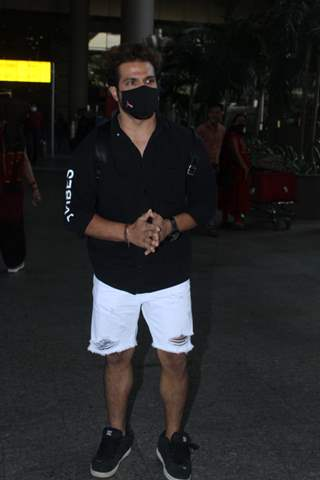Rithvik Dhanjani snapped at airport
