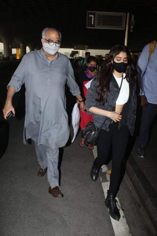 Janhvi Kapoor snapped with father Boney Kapoor at Airport
