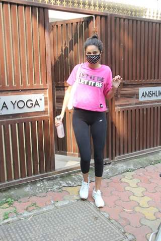 Ananya Panday snapped at yoga class