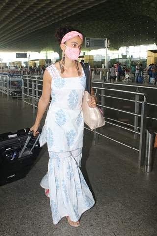Taapsee Pannu snapped at Mumbai airport