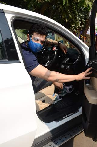 Karan Patel spotted at Andheri, Mumbai