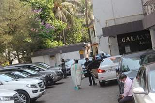 Helen spotted arriving at Salman Khan's house