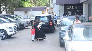 Arpita Khan Sharma spotted arriving at Salman Khan's house