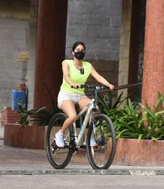 Janhvi Kapoor snapped cycling in Lokhandwala, Andheri