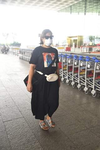 Richa Chadha snapped at Mumbai Airport