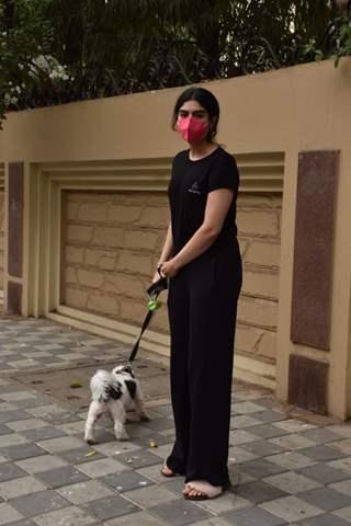 Khushi Kapoor snapped walking her pet in Lokhandwala, Andheri