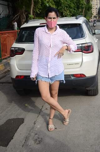 Sonnalli Seygall snapped at Lokhandwala, Andheri