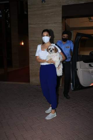 Sophie Choudry snapped with her pet in Bandra