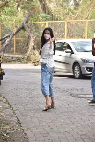Sonal Chauhan snapped in Versova, Mumbai