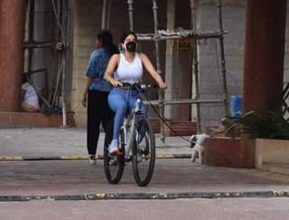 Janhvi Kapoor snapped in Lokhandwala, Andheri