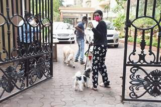 Khushi Kapoor snapped with her pet in Lokhandwala, Andheri