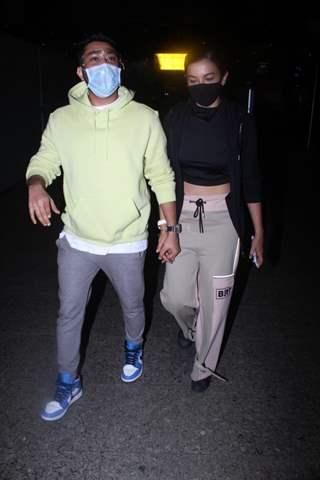 Gauahar Khan and Zaid Darbar snapped arriving in Mumbai