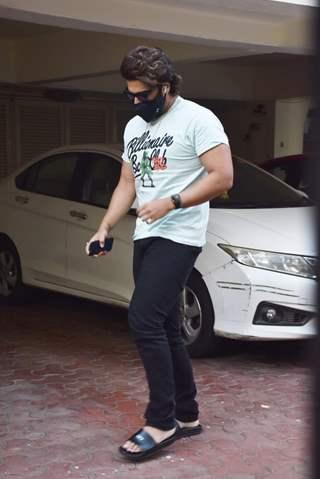 Arjun Kapoor spotted in Juhu!