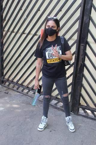 Krystle D'Souza spotted outside Mehboob studio in Bandra