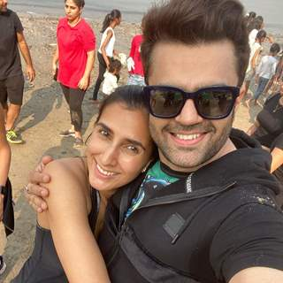 Maniesh Paul shares throwback pictures of beach clean up on 'World Environment Day'