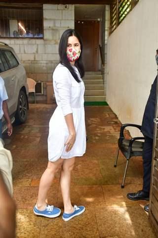 Katrina Kaif snapped at Zoya Akhtar's at Bandra