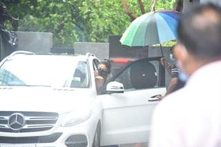 Rakul Preet Singh snapped at Pooja entertainment office in Juhu