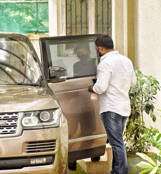 Alia Bhatt snapped at dubbing studio in Juhu