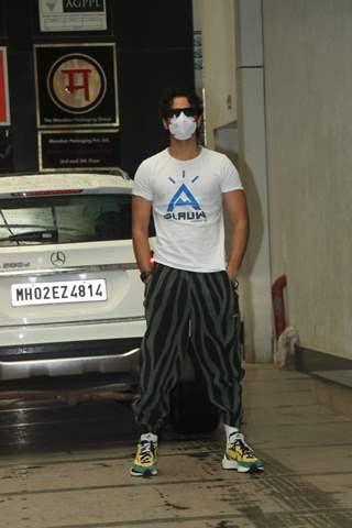 Ishaan Khattar snapped at a gym in Bandra