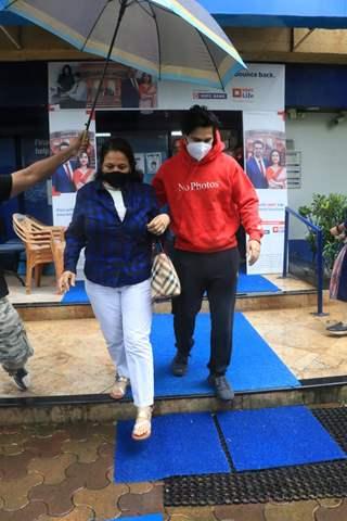 Varun Dhawan snapped with his mom at Santacruz
