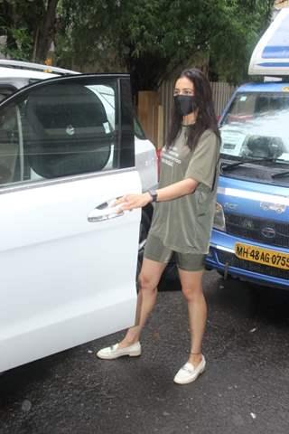 Rakul Preet Singh spotted outside salon in Khar
