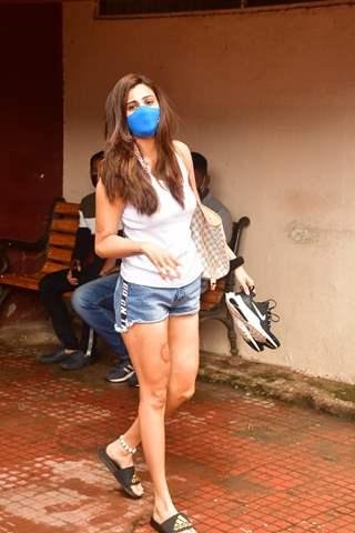 Daisy Shah snapped at pilates