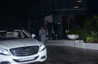 Kriti Sanon, Arshad Warsi and Jacqueline Fernandez snapped at Sajid Nadiadwala office!