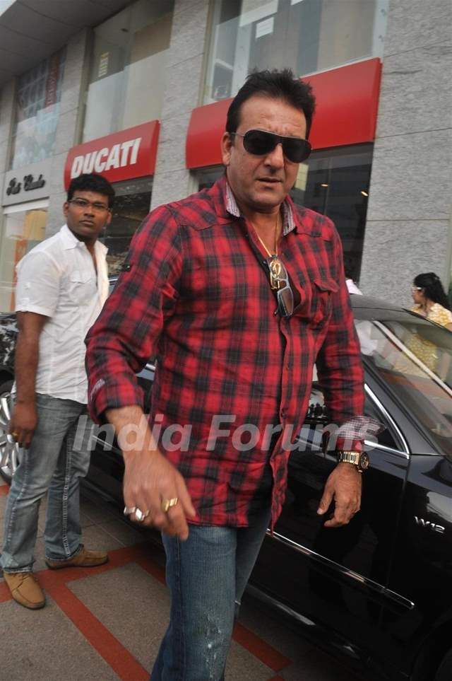 Sanjay Dutt gifts wife Manyata a Rolls Royce Ghost Media