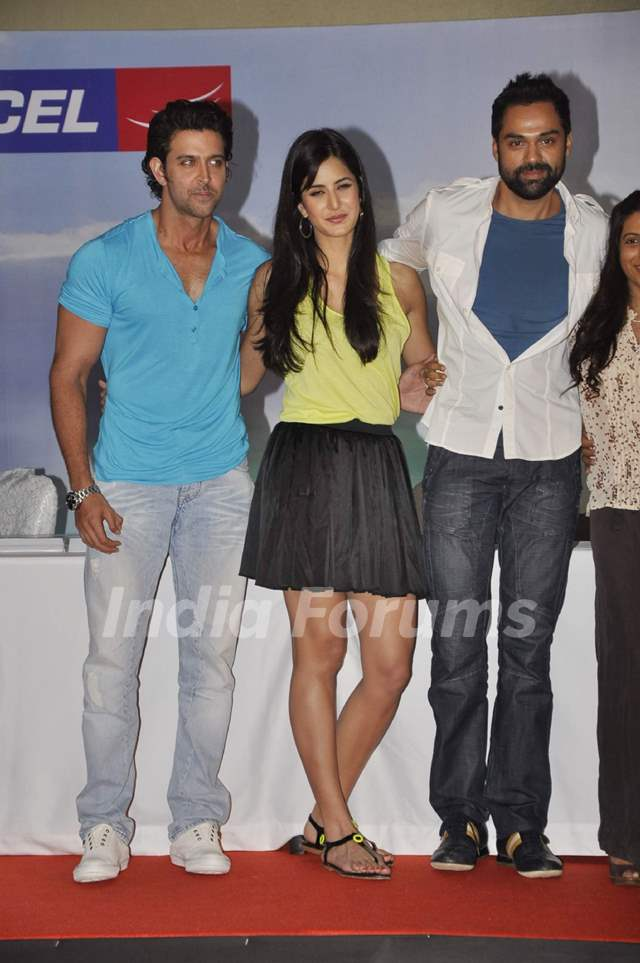 Hrithik Roshan, Katrina Kaif and Abhay Deol at Zindagi Na ...
