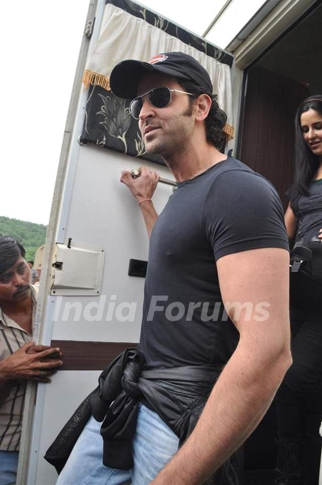 Hrithik and Katrina promote their film 'Zindagi Na Milegi ...