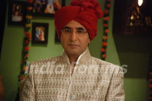 Prithvi as Sudhir Priya's father in Bade Acche Laggte Hai