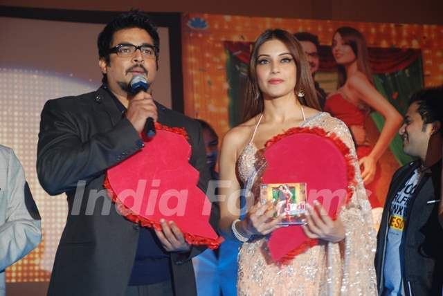 Bipasha and R. Madhavan at Music launch of movie 'Jodi ...