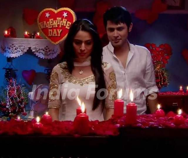 Sudeep Sahir and Shraddha Arya as Arjun and Lakshmi from Main lakshmi Tere Angan Ki.