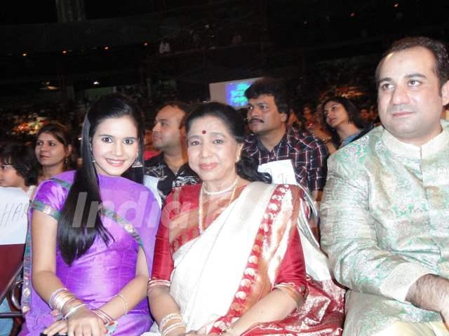 Shivshakti Sachdev with Asha Bhosle and Rahat Fateh Ali Khan