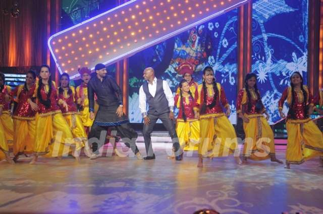 Harbhajan Singh and Sanath Jayasuriya on Jhalak