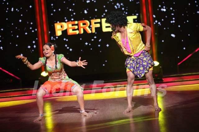 Jhalak Gia performance