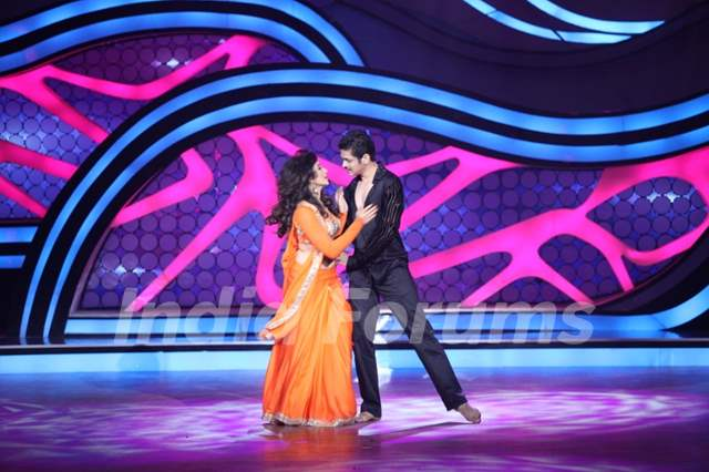 Suhasi Dhami and Jaysheel Dhami during their performance on Nach Baliye 5