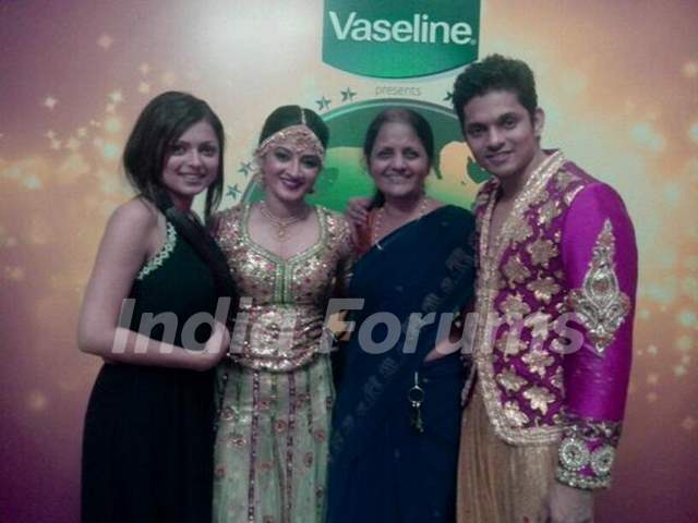 Drashti Dhami with Family