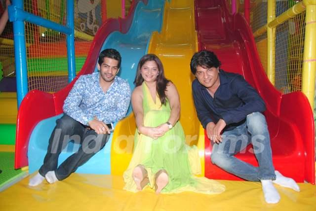"""Amit Tandon,Suhana Sinha,Nikhil Sinha at launch of Suhana Sinha and Amit Tandon's """"Play Around"""""""
