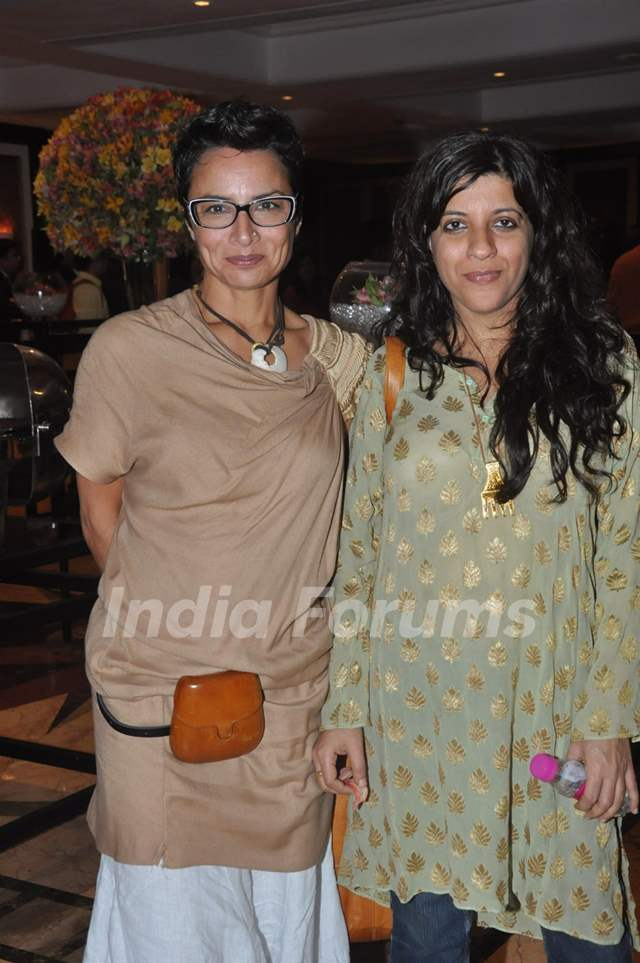 Adhuna and zoya Akhtar at the Unveiling of the Statue of Rajesh Khanna