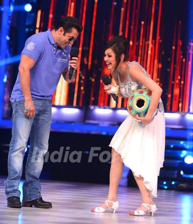 Drashti Dhami and Salman Khan