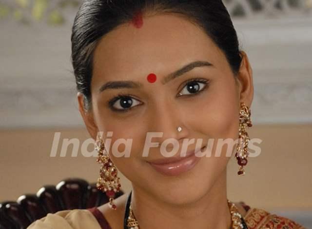Pallavi as Ketki in Basera