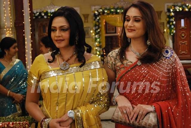 Vasundhara Rajvansh and Sheetal looking happy