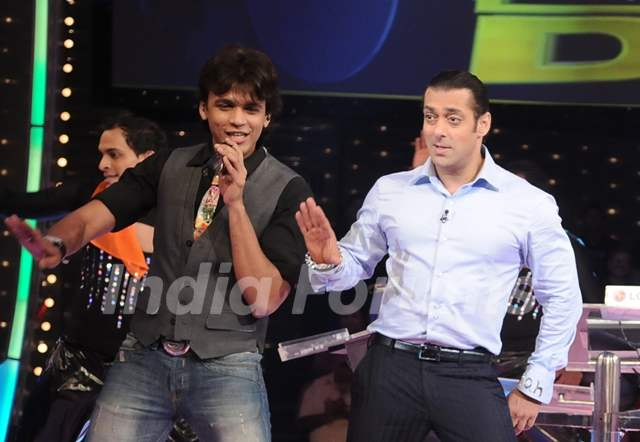 Salman Khan and Abhijeet Sawant
