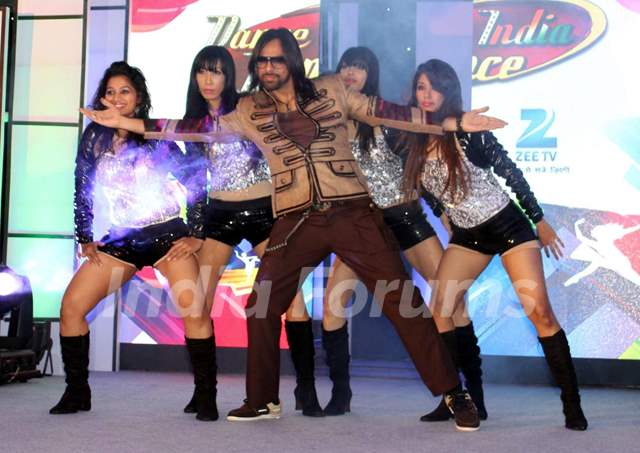 Feroz Khan at the Launch of Dance India Dance Season 4