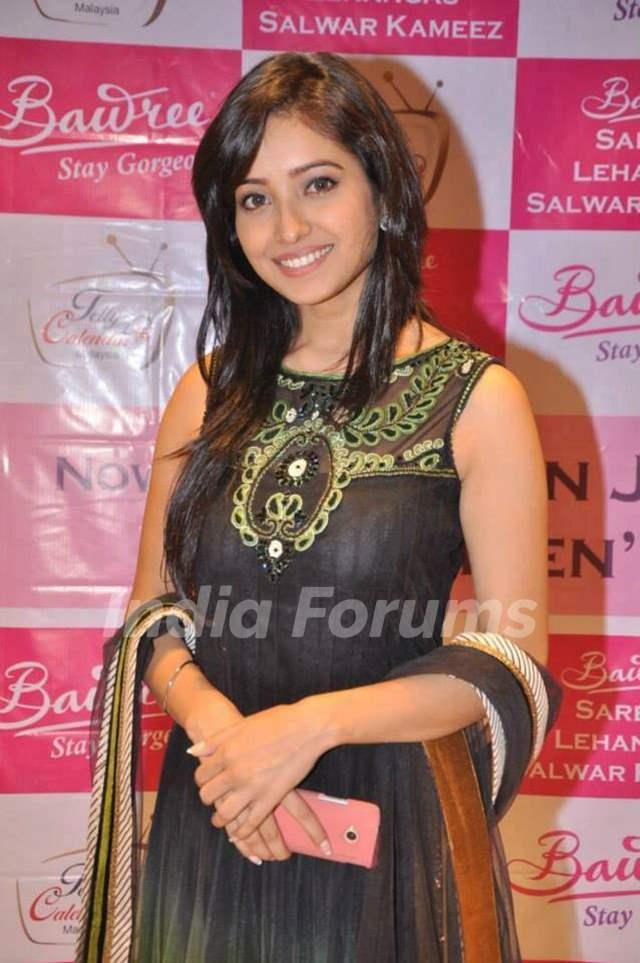 Asha Negi at Telly Calendar 2014 party